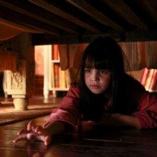 Non avere paura del buio: la piccola Bailee Madison in un'immagine del film
