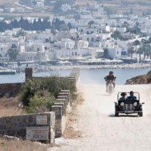 Un suggestivo panorama greco in una scena del film Immaturi - Il viaggio