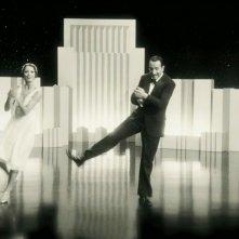 Bérénice Bejo e Jean Dujardin sul palcoscenico in una scena di The Artist