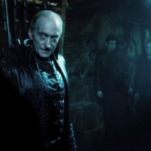 Charles Dance in una scena di Underworld: Il risveglio