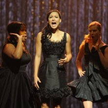 Glee: Amber Riley, Naya Rivera e Heather Morris in una scena dell'episodio Mash Off