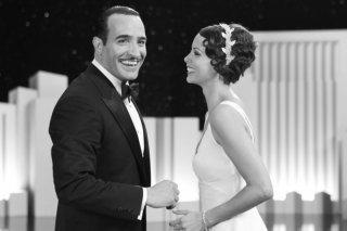 Jean Dujardin insieme a Bérénice Bejo in una scena di The Artist