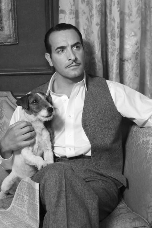 Jean Dujardin nel ruolo di George Valentin in una scena del film The Artist