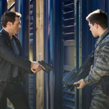 Terra Nova: Jason O'Mara e Dean Geyer nell'episodio Now You See Me