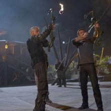 Terra Nova: Jason O'Mara e Stephen Lang in una scena dell'episodio Nightfall