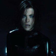 Underworld: Il risveglio, un'agguerritissima Kate Beckinsale in una scena del film