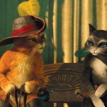 Il gatto con gli stivali: il nostro eroe insieme a Kitty zampe di velluto in una scena del film