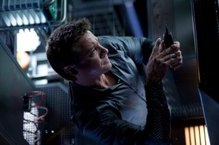 Jeremy Renner in un'impegnativa scena di Mission: Impossible - Protocollo Fantasma