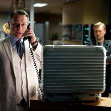 Michael Nyqvist in una scena di Mission: Impossible - Protocollo Fantasma insieme a Samuli Edelmann