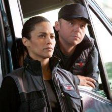 Paula Patton e Simon Pegg in una scena di Mission: Impossible - Protocollo Fantasma