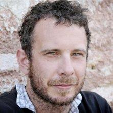 Il regista Alessandro Comodin in una bella foto promozionale del film