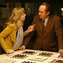 Isabelle Carré e Benoît Poelvoorde in un'immagine del film Emotivi anonimi