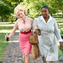 Jessica Chastain e Octavia Spencer in una scena di The Help