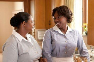 Viola Davis e Octavia Spencer in una scena di The Help