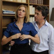 The Art of Love: François Cluzet con Frédérique Bel in una scena