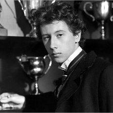 Piramide di paura: Nicholas Rowe è il giovane Sherlock Holmes