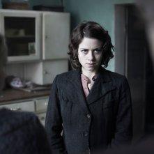 Alice Dwyer  in una scena di Die verlorene Zeit