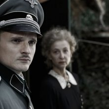 Florian Lukas e Susanne Lothar  in Die verlorene Zeit