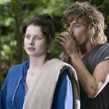 Rachel Hurd-Wood e Harry Treadaway in Hideaways