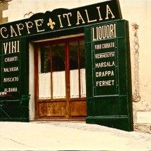 Il più lungo giorno - scenografia di un bar realizzata da Giuseppe Pirrotta