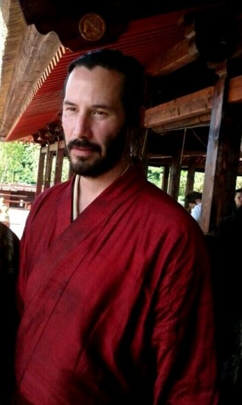 Keanu Reeves in kimono sul set di 47 Ronin