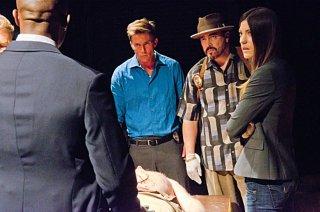 Dexter: Desmond Harrington, David Zayas e Jennifer Carpenter nell'episodio Get Gellar