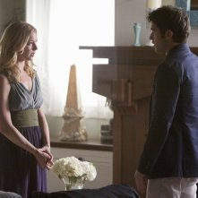 Revenge: Emily VanCamp e Joshua Bowman in una scena dell'episodio Loyalty