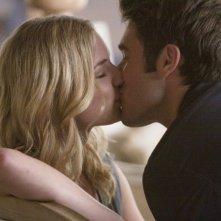 Revenge: Emily VanCamp e Joshua Bowman nell'episodio Loyalty