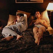 Justin Kirk con Ben Shenkman in Angels in America