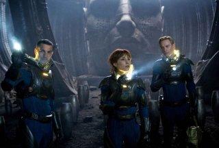 Noomi Rapace, Michael Fassbender e Logan Marshall-Green esplorano lo strano pianeta di Prometheus