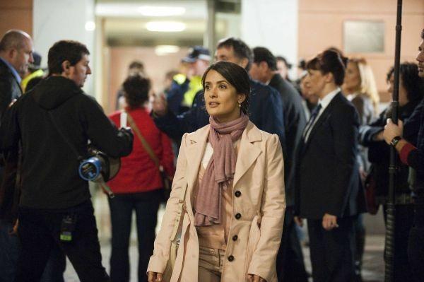 Salma Hayek In La Chispa De La Vida Di Alex De La Iglesia 224557