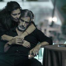 Valeria Cavalli con Gerard Lanvin in Les Lyonnais