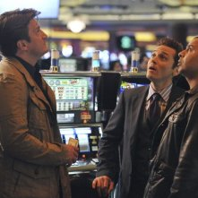 Castle: Nathan Fillion, Jon Huertas e Seamus Dever nell'episodio Heartbreak Hotel