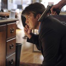 Castle: Nathan Fillion nell'episodio Cops & Robbers