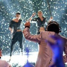 X-Factor 5: Elio incoraggia le Cafè Margot che cantano Crying at the discoteque nella terza puntata
