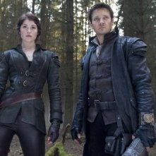 Gemma Arterton e Jeremy Renner sono i fratelli cacciatori di streghe in Hansel and Gretel: Witch Hunters