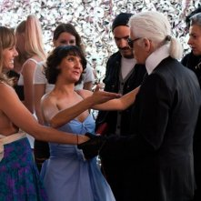 Karl Lagerfeld in Hollywoo con Nikki Deloach e Florence Foresti