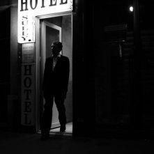 Luciano Levrone in un'immagine del dramma in bianco e nero Penultimo Paesaggio