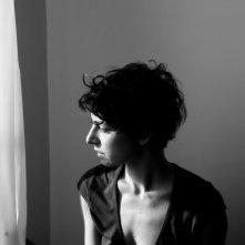 Simona Rossi di profilo in una scena di Penultimo Paesaggio
