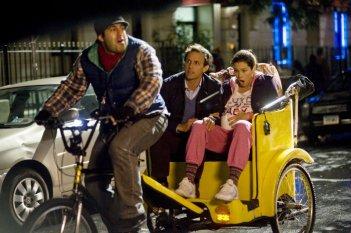 Capodanno a New York: Jessica Biel con Seth Meyers in una scena della commedia