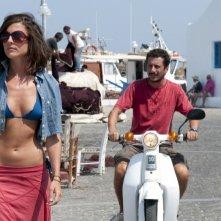Luca Bizzarri in una scena di Immaturi - Il viaggio insieme a Francesca Valtorta