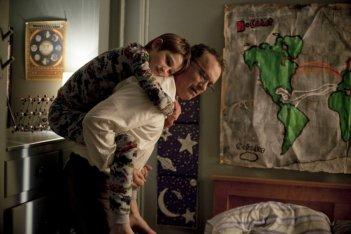 Tom Hanks e Thomas Horn in una scena di Molto forte, incredibilmente vicino