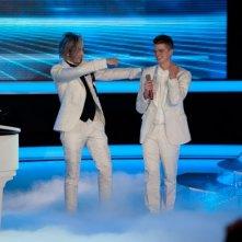 X-Factor 5: l'eliminato Davide Papasidero si esibisce con Morgan all'inizio della quarta puntata