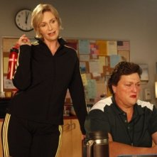 Glee: Jane Lynch e Dot Jones in una scena dell'episodio Le elezioni