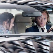Headhunters: Julie R. Ølgaard e Aksel Hennie in una scena del film