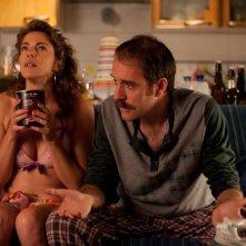 Il comandante e la cicogna: Claudia Gerini e Valerio Mastandrea in una scena del film