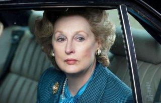 Iron Lady: Meryl Streep in auto in una scena del film