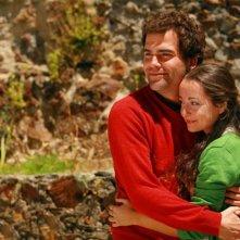 Nadia Casado e Marco Delgado in una scena di Aguasaltaspuntocom - un villaggio nella rete