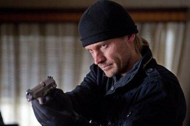 Nikolaj Coster-Waldau in un'immagine tratta dal film action Headhunters