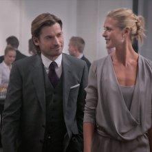 Nikolaj Coster-Waldau insieme a Synnøve Macody Lund in una scena del film Headhunters